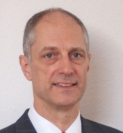 Prof.-Dr-Reinhard-Moeller-2-gozinc